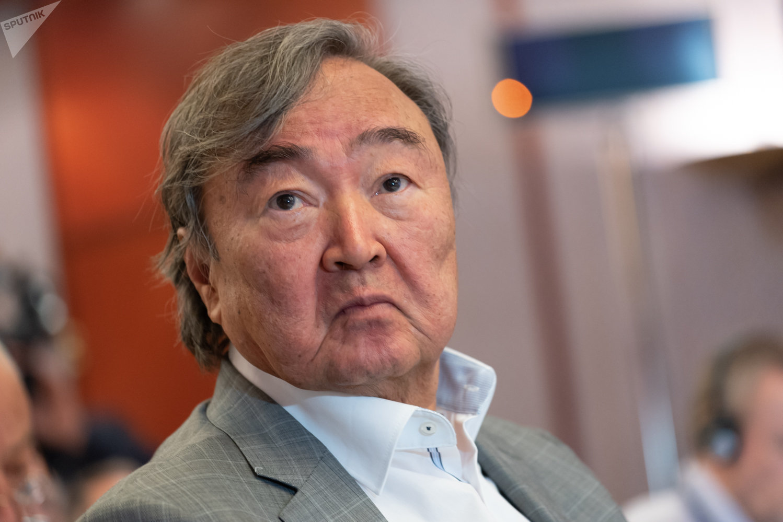 Казахстанский писатель Олжас Сулейменов