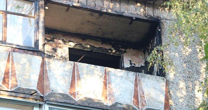 Во время пожара на балконе мальчик сидел в комнате и не подозревал об опасности