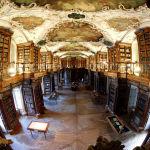 Әулие Галл ғибадатханасының кітапханасы – Швейцарияддағы ең ежелгі кітапхана.