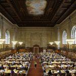 Нью-Йорк қоғамдық кітапханасы – әлемдегі ең үлкен кітапханалардың бірі. Сондай-ақ, дүниежүзіндегі ең ауқымды ғылыми кітапханалық жүйелердің бірі.