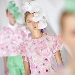 Модель во время показа дизайнера Delpozo на Лондонской Неделе моды