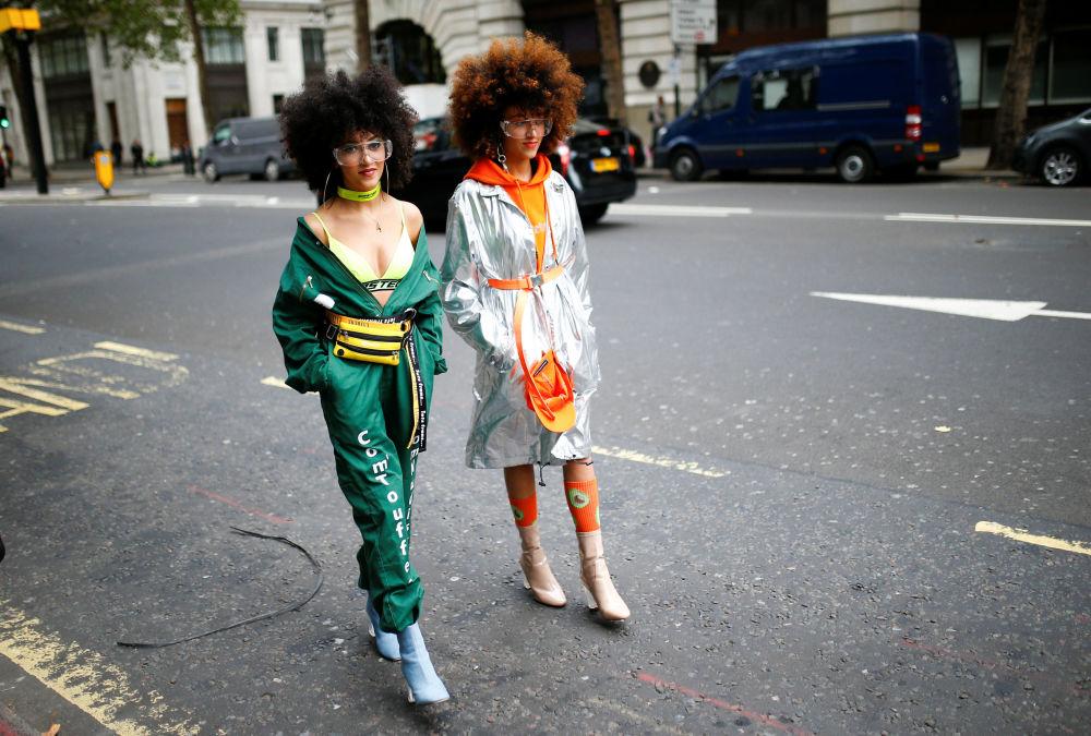 Посетители BFC Showspace на Неделе моды в Лондоне