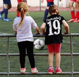 Футбол, футболшы қыздар