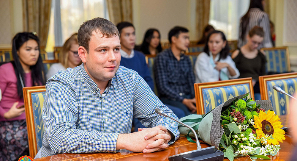 Артем Карев спас ребенка, выпавшего с балкона десятого этажа
