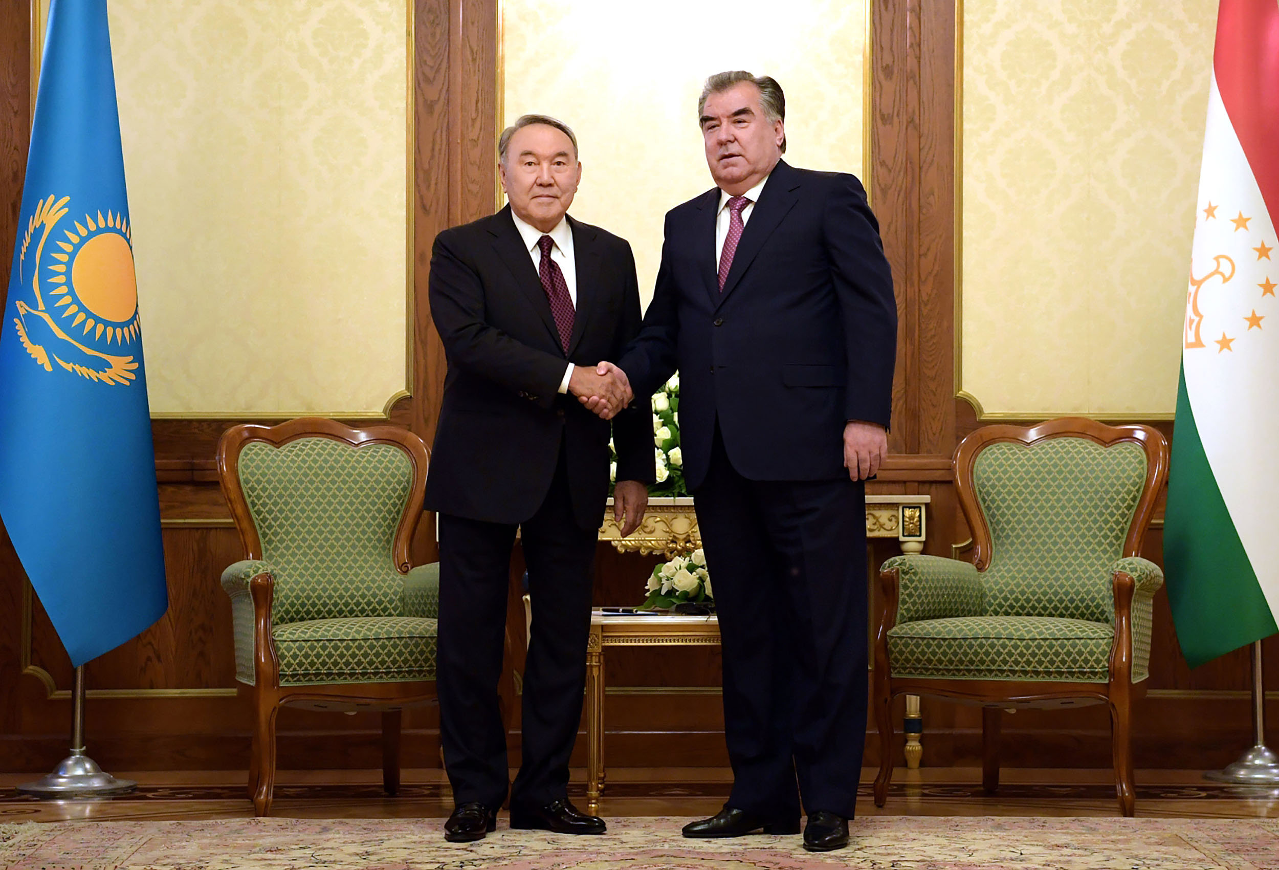Президент Казахстана Нурсултан Назарабаев и президент Таджикистана Эмомали Рахмон