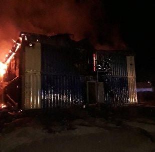 Общежитие из контейнеров горело в Астане
