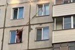 Жительница Новосибирска спасла котенка с помощью швабры