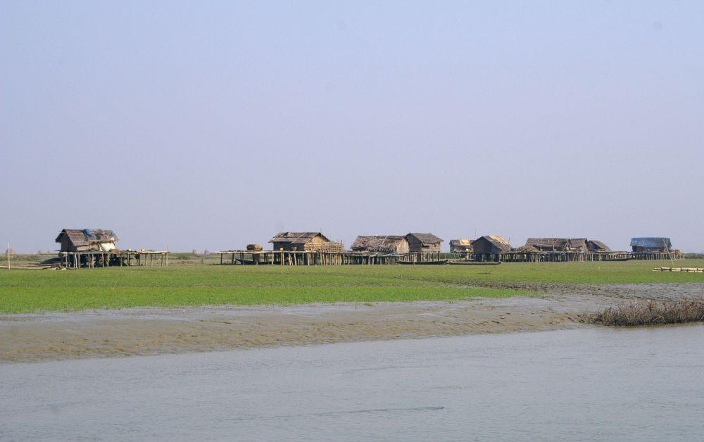 Хижины на острове Рамри, Бирма