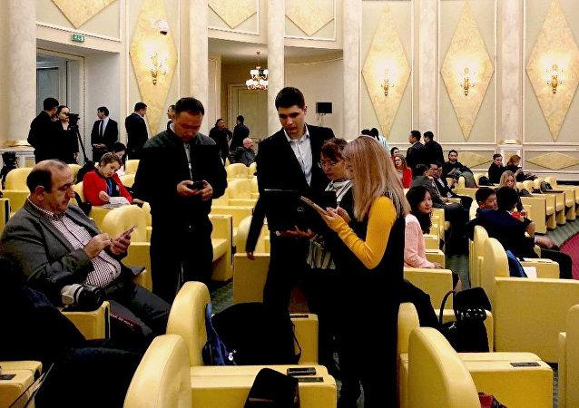 Журналисты в ожидании Послания Президента РК