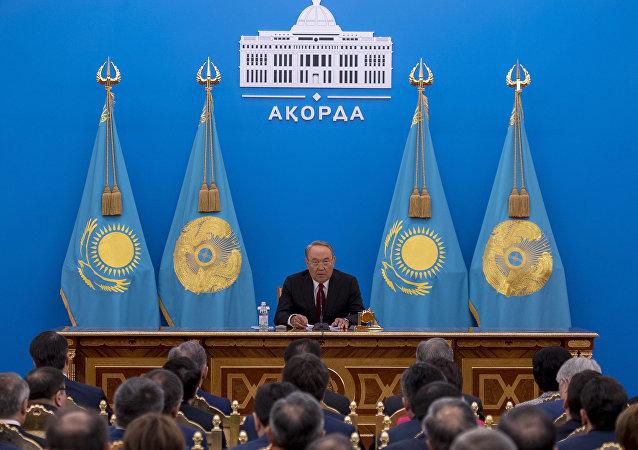 Президент Казахстана Нурсултан Назарбаев во время ежегодного послания народу