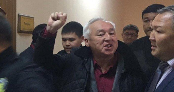 Казахстан: руководителя Союза корреспондентов Сейтказы Матаева приговорили к 6-ти годам колонии