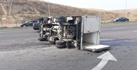 Тойота врезалась в грузовик Мазда на пересечении улиц Момышулы и Жанажол