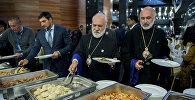 Чем кормят духовных лидеров на форуме в Астане