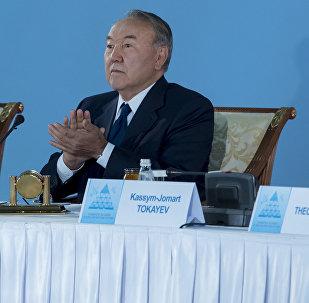 Президент Казахстана Нурсултан Назарбаев (в центре) во время Съезда лидеров мировых и традиционных религий