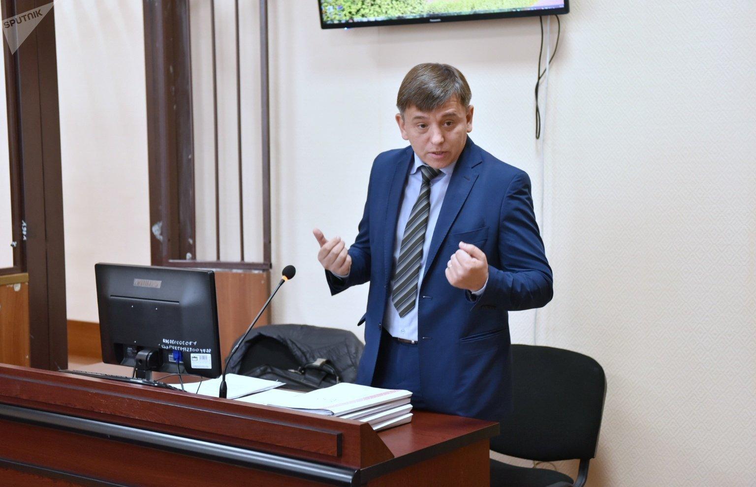 Адвокат подзащитной Мухитовой Дмитрий Куряченко