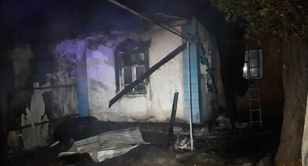 Сильный пожар в частном секторе по ул. Аносова