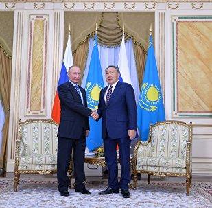 Президент РФ Владимир Путин и глава Казахстана Нурсултан Назарбаев