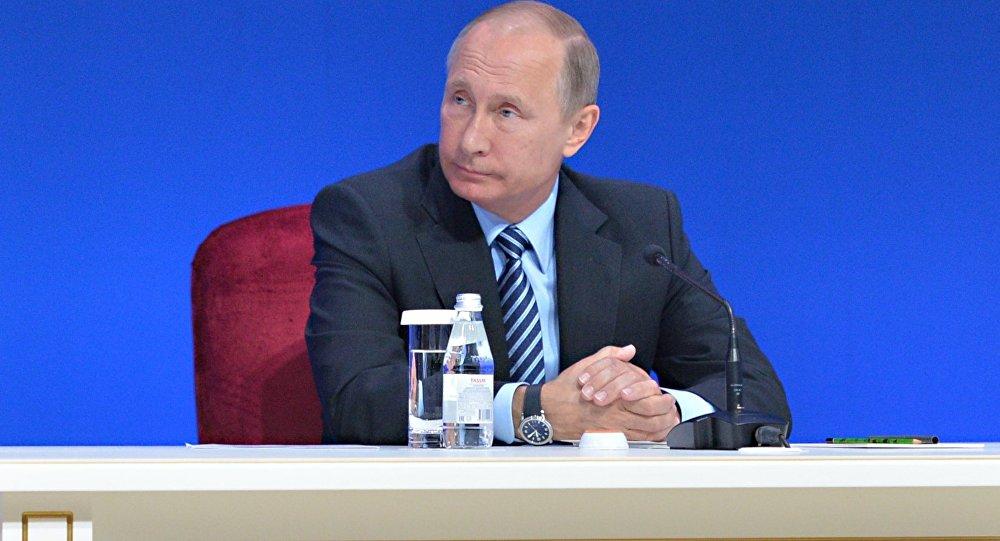 Президент РФ Владимир Путин принимает участие в работе российско-казахстанского бизнес-форума во Дворце Независимости в Астане