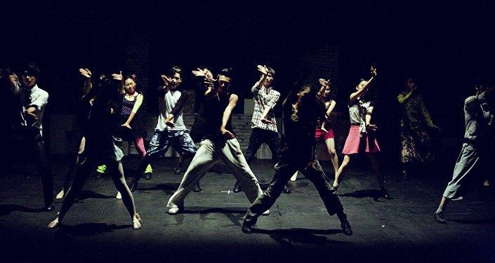 Танец, иллюстративное фото