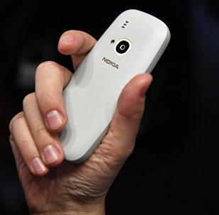 Классическая модель мобильного телефона Nokia 3310