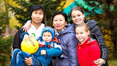 Астана қаласындағы SOS балалар ауылындағы отбасы