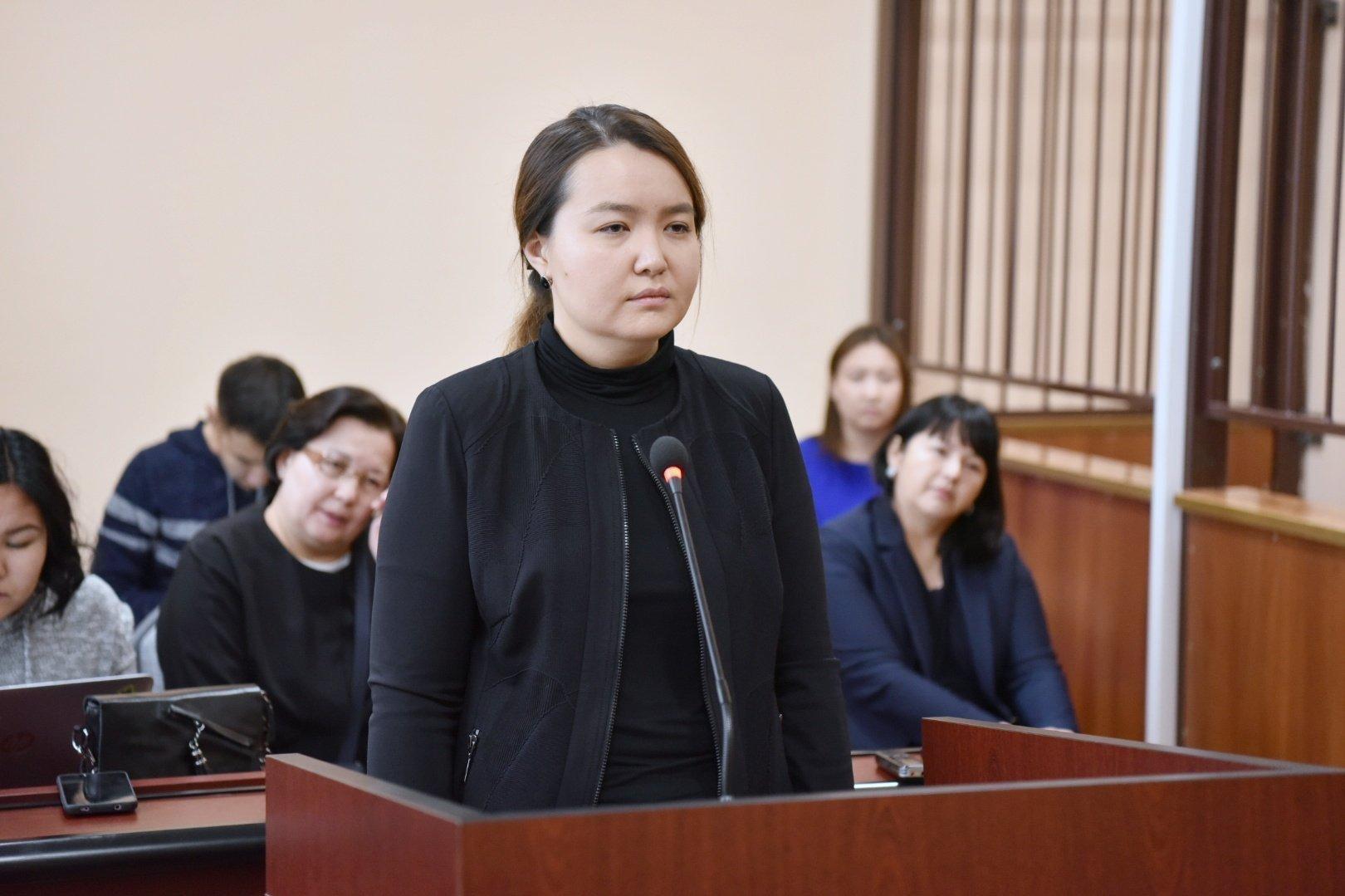 Малика Мухитова в зале суда