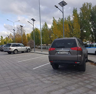 Новая бесплатная парковка появилась вдоль набережной реки Есиль
