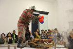 Перфоманс арт-группы Кызыл Трактор в Нью-Йорке