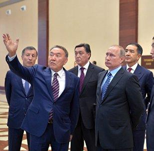 Президент Казахстана Нурсултан Назарбаев  и глава РФ Владимир Путин