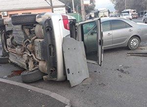 Столкновение на пересечении улиц Хмельницкого и Физулина