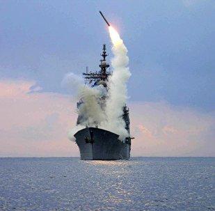 Запуск ракеты-носителя Томагавк с борта крейсера ВМС США, архивное фото