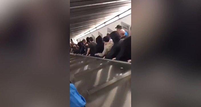 Обрушение эскалатора в римском метро - видео