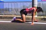 Японская спортсменка проползла на коленях до финиша на марафоне