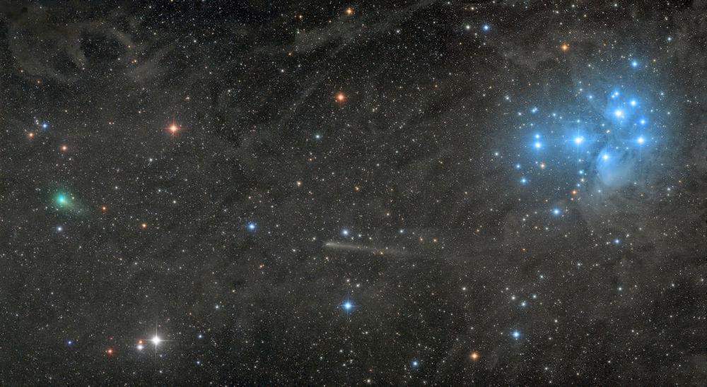 Работа Two Comets with the Pleiades фотографа Damian Peach, победившая в категории Robotic Scope конкурса Insight Investment Astronomy Photography of the Year 2018