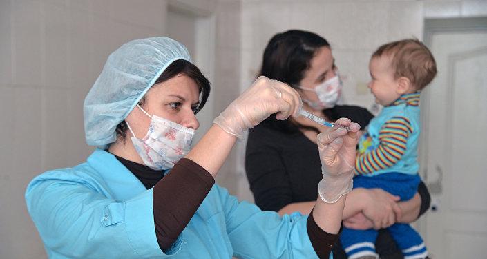 Архивное фото детской поликлиники