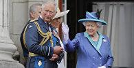 Королева Елизавета и принц Чарльз, архивное фото
