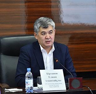 Вице-министр здравоохранения и социального развития РК Елжан Биртанов