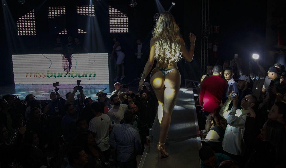 Участница-трансгендер на конкурсе Мисс Бумбум-2018 в Бразилии