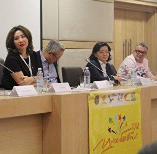 Мастер-класс для участников XXI Международного фестиваля творческой молодежи Шабыт провели в среду члены жюри конкурса в номинации Журналистика
