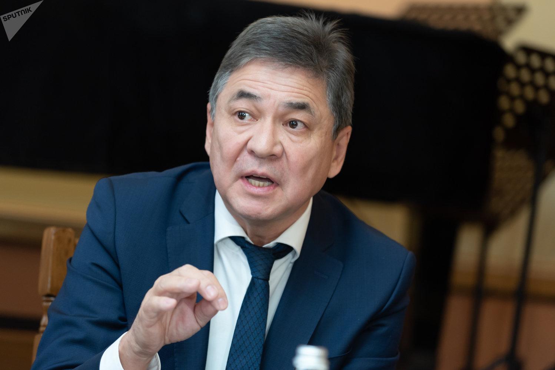 Директор ГАТОБ им. Абая Аскар Бурибаев
