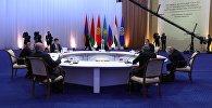 8 ноября 2018. Президенты во время заседания Совета коллективной безопасности ОДКБ во Дворце независимости в Астане