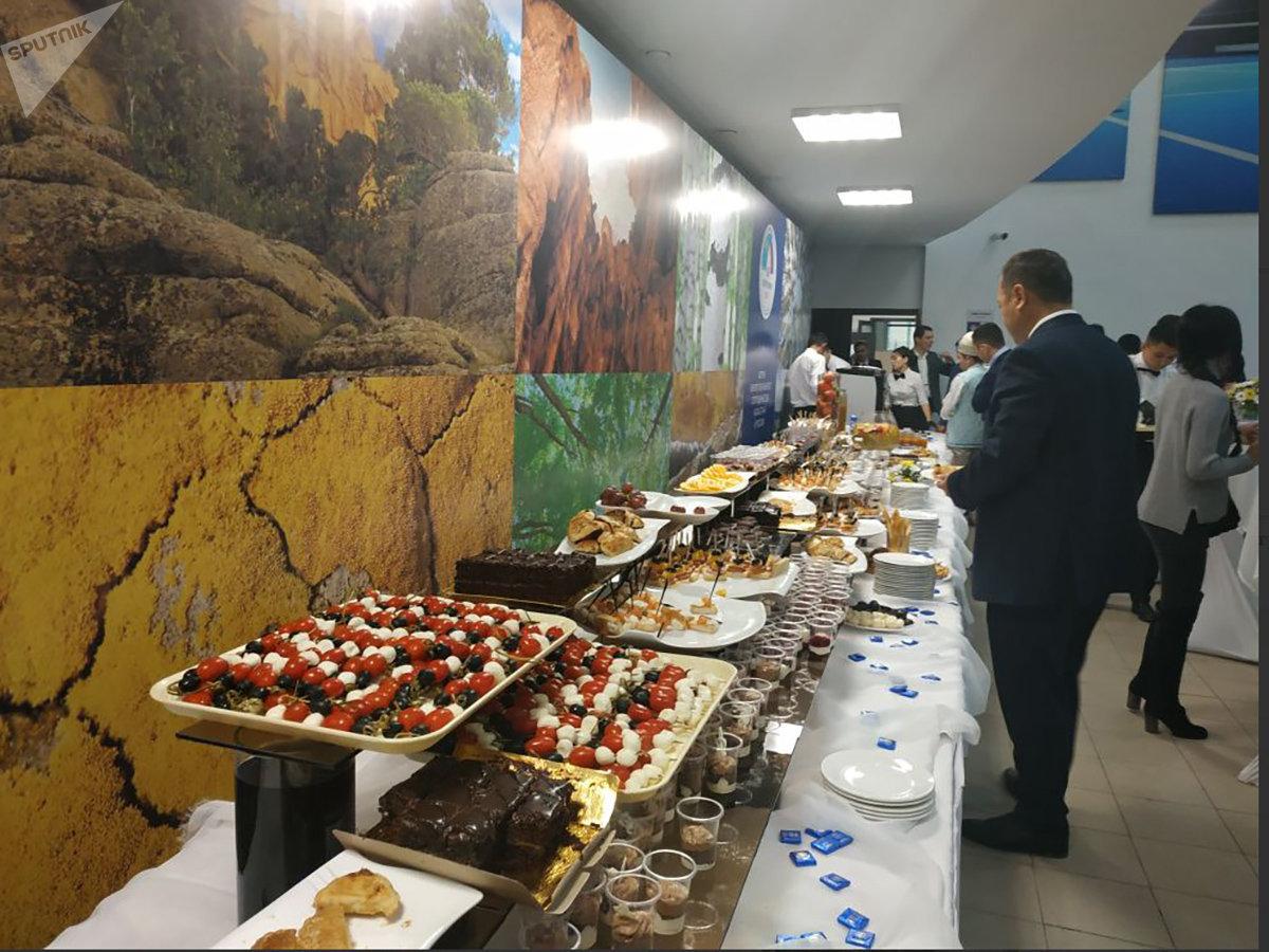 Чем угощают гостей Форума межрегионального сотрудничества Казахстана и России