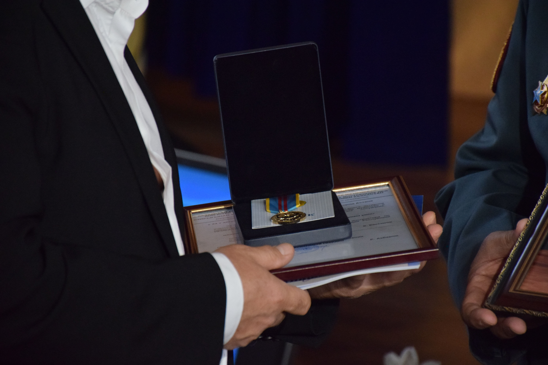 Денис Тен награжден медалью За вклад в охрану общественного порядка посмертно