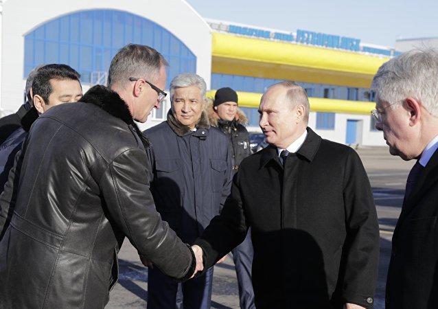 Владимир Путин прибыл в Петропавловск