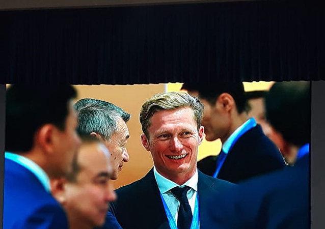 Александр Винокуров - среди участников форума межрегионального сотрудничества Казахстана и России
