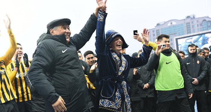 Андрей Аршавин провел прощальный матч в Алматы