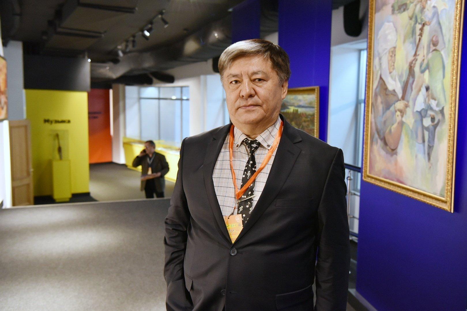 Мұратбек Бегалиев - Қырғыз Республикасының халық әртісі