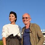 Режиссер, актёр, продюсер и сценарист Александр Гордон (55 лет) и его супруга Нозанин Абдулвасиева (25 лет)