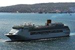 Круизный лайнер, архивное фото