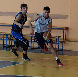 Архивное фото баскетболиста Игоря Нанаева